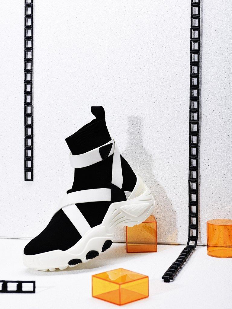 WEB-re-es-MW-kooples-shoe-1.jpg